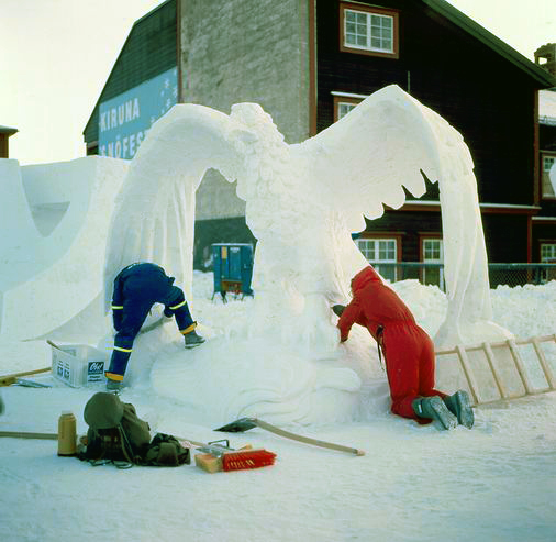 resize-of-snowsculpturing01-copy.jpg