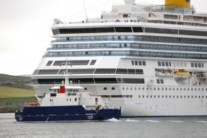 CruiseShipLerwick02